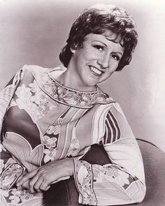 Jean Stapleton (Jean Murray) (January 19, 1923 - May 31, 2013) American actress (o.a. 'All in the family', 'Archie Bunker's Place').