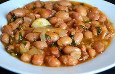 Ξερά φασόλια χάντρες (μπαρμπούνια), πλακί κατσαρόλας - cretangastronomy.gr Black Eyed Peas, Salads, Vegan Recipes, Beans, Vegetables, Food, Vegane Rezepte, Beans Recipes, Veggies