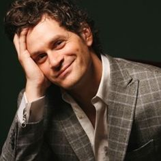 Tom Everett Scott. Whatever. You'll always be Guy Patterson to me. ;)
