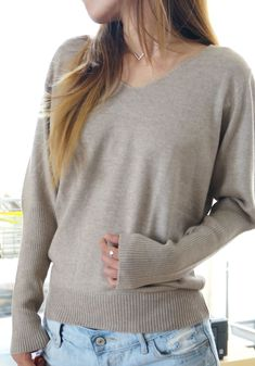 Camel Nude Beige Cashmere Womens Sweater Small, Easy V Pullover Sweater, Drapey Soft Sweater, 100 Percent Cashmere, Heather Clothing Top