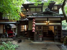 34 Fabulous Japanese Traditional House Design Ideas - Although many different types of housing can be seen in Japan, generally the living area is smaller than in other countries. Some houses are designed . Japanese Style House, Traditional Japanese House, Neo Traditional, Dream Home Design, My Dream Home, House Design, Japanese Architecture, Amazing Architecture, Asian House