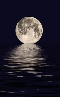 Beautiful picture of moon on the water