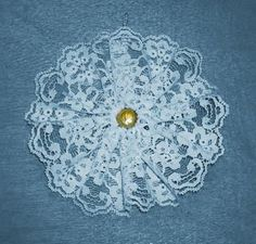 Tutorial on making snowflake from lace for tree ornament