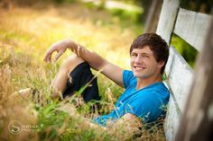 Country Senior Pictures for Guys Unique Senior Pictures, Country Senior Pictures, Photography Senior Pictures, Senior Pictures Boys, Cute Photography, Guy Pictures, Senior Photos, Senior Portraits, Children Photography