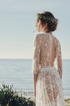 Wonderful! 40 dresses for end-of-summer weddings. www.thecasualgourmet.com