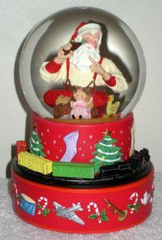 Hallmark Coca-Cola Santa Claus Musical Snow Water Globe Coke Moving Train Sundblom 2001 6 $18