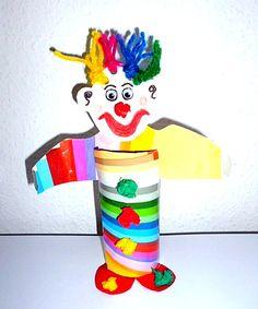 Bunter Clown aus Toilettenpapierrolle - Meine Enkel und ich