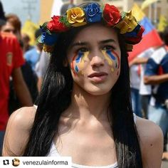 #Repost @venezulainforma with @repostapp  Mujer bonita Mujer Venezolana Guerrera y Luchadora Mujer que defiende un país de un Dictador.  VENEZUELA NO DUERME El que se cansa pierde. SIGUENOS DIFUNDE COMENTA informate venezuela  rueda la voz  #20A #venezuela #venezuelalibre #sosvenezuela #estudiantes #libertad #lucha #abril #protesta #leopoldolopez #guarimba #golpedeestado #madurodictador #Nicolasmaduro #dictador #democracia #sos #caracas #nomasdictadura #hackematemaduro #viralizaladictadura…