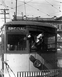 Operator of Streetcar No.9010