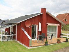 Modernes 4-Sterne Drei-Seen-Haus Speiser (Holzhaus) in Fürstensee, max 4 Personen. Badestrand 600 Meter entfernt, Terrasse mit Gartenmöbeln, Sonnenschutz und Grill, Sauna. Sauna, Grill, Outdoor Structures, Patio, Solar Shades, Log Home