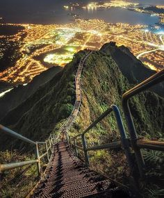 #Haiku #Oahu #HaikuStairs Hawaii Vacation Transport, #Travel Stairs, Photography, Vacation - Follow @extremegentleman for more pics like this!