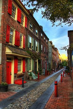 """Elfreth's Alley in Philadelphia PA, the oldest existing street in the U.S.""    the above quote was on the pic when I repinned, so I don't know how true it is, when I visited here 30 years ago I was told it was the red light district back in the day!"