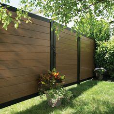 9 Peaceful Cool Tricks: Horizontal Fence On Wall modern fence cedar.Rustic Fence Lights old fence decor. Fence Art, Diy Fence, Backyard Fences, Fence Ideas, Gate Ideas, Fence Garden, Pallet Fence, Decorative Fence Panels, Metal Fence Panels