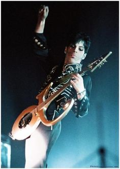 PRINCE-VINTAGE-MUSIC-PHOTO-POSTER-23x33-UK-IMPORT-4389