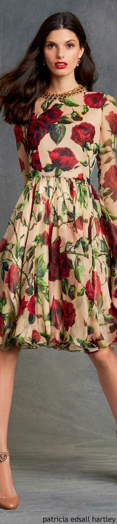 Dolce & Gabbana - Winter 2016 - I've always weirdly liked overscale floral prints, but only on certain backgrounds and in certain colors. This one is acceptable.