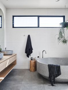 The Barefoot Bay Villa by The Designory – Project Gallery – The Local Project Stone Bathtub, Clawfoot Bathtub, Bath Tub, Bathroom Design Inspiration, Bathroom Interior Design, Harry Styles Songs, Instagram Worthy, Byron Bay, Villa