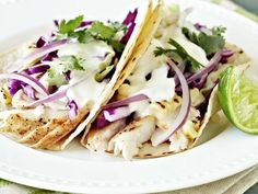 Grilled Mahi Mahi Fish Tacos: Healthy and Fresh! – The Eclectic Kitchen - Crystal Cartier Grilled Mahi Mahi, Grilled Fish Tacos, Grilled Fish Recipes, Seafood Recipes, Paleo Recipes, Mexican Food Recipes, Mahi Tacos, Cooking Recipes, Yummy Recipes