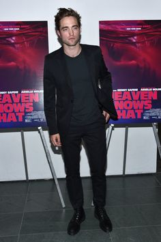 Pin for Later: Robert Pattinson Is Looking Very Fine on His Surprise Solo Night Out