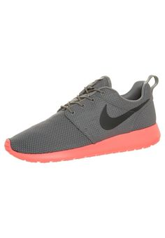 nike 3 sur 3 résultats - Trainers - Nike Roshe Run Hyperfuse QS Mens Black Blue Pink Gold ...