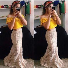 """Garota S.O.S Dicas✨ no Instagram: """"Meninas olha que incrível essa sai e esse cropped os dois feitos de crochê """""""