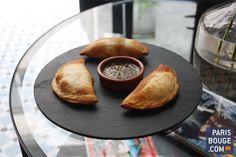 Manduca est un café parisien monté par l'Argentin Lucas Alvarez. Chez Manduca, on mange les spécialités argentines, petits chaussons feuilletés : les empanadas. Petit et cosy, Manduca accueille dans une ambiance végétale, soigneusement décorée, avec des photos de Laura Lago aux murs. On pourra