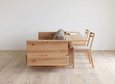 The Caramella counter sofa is a mixed-use solid oak sofa by Japanese furniture…