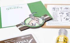Gatefoldkarte - mit dem Stempelset Wanderurlaub! (Alles Gute zum Geburtstag) | Unsere kleine Bastelstube Enamel, Accessories, Diy Presents, Homemade Cosmetics, Book Folding, Vitreous Enamel, Enamels, Glaze, Ornament