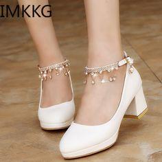 Cute Shoes Flats, Fancy Shoes, Kawaii Shoes, Prom Heels, Platform High Heels, Dress And Heels, Dress Shoes, Fashion Boots, Style Fashion