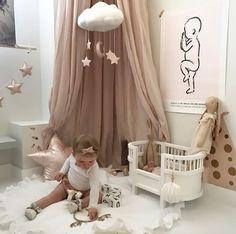 Baby nursery decor ideas - Ideas para decorar el cuarto del bebé - A very cute room, Maileg soft bunny available at www.istome.co.uk