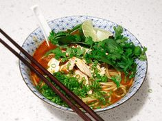 20-Minute Thai Red Curry Noodle Soup with Chicken | Serious Eats : Recipes