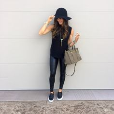 Floppy Hat Outfit, Black Hat Outfit, Black Hats, Black Outfits, Casual Street Style, Street Style Women, Outfits With Hats, Cute Outfits, Fall Photo Outfits