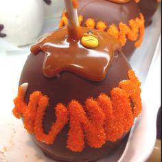 Chocolate caramel Pooh Hunny Pot apple. Pooh's Corner Disneyland.