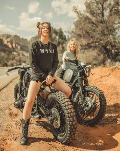 Best Motorbike, Motorbike Girl, Cafe Racer Girl, Cafe Racer Bikes, Biker Chick, Biker Girl, Bmw R 80, Motard Sexy, Moto Biker
