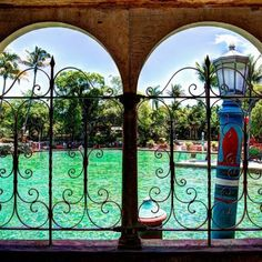 Venetian Pool - Other Outdoor Activities - Go on a splashing adventure with friends at Venetian Pool, an iconic spring-water-filled pool built in 1923