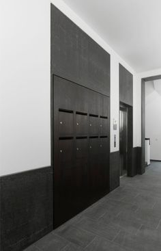 Auguststrasse 48 in Berlin by Baumeister und Dietzsch… Lobby Interior, Apartment Interior, Interior Architecture, Apartment Mailboxes, Office Lockers, Nogent Sur Marne, Mail Room, Lobby Design, Entrance Hall