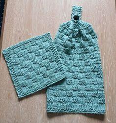 FREE pattern - KNIT - Wishing I was Knitting at the Lake: Puffy Basketweave Kitchen Hanging Hand Towel Knitted Dishcloth Patterns Free, Knitted Washcloths, Crochet Dishcloths, Knitting Patterns Free, Crochet Patterns, Free Pattern, Crochet Granny, Scarf Patterns, Stitch Patterns