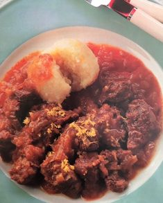 Stews are great! That's why we show you today the German Beef Onion Stew. Authentic German recipe, very easy to make and so delicious. You are in the right place about german recipes traditional Here Amish Recipes, Potato Recipes, Beef Recipes, Soup Recipes, Cooking Recipes, Recipies, Austrian Recipes, German Recipes, Curry Ketchup Recipe