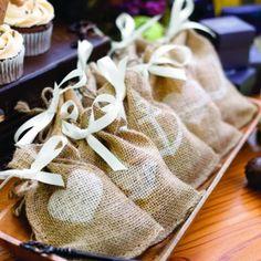 burlap favor bags #rustic #country #wedding