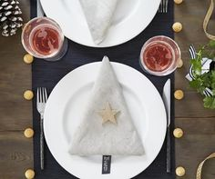 christmas-table-setting-and-centerpieces-ideas-14 you can find all that & more on http://www.4urbreak.com/