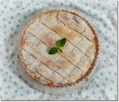 Pudingos túrós pite - Kemény Tojás receptek képekkel Hummus, Camembert Cheese, Bread, Ethnic Recipes, Food, Pie, Torte, Cake, Brot