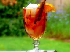 Kuwaiti Cinnamon-Orange Iced Tea- looks super good Summer Drinks, Fun Drinks, Beverages, Refreshing Drinks, Cold Drinks, Tea Recipes, Cooking Recipes, Drink Recipes, Recipies