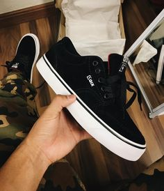 Moda Sneakers, Shoes Sneakers, Mens Fashion Shoes, Sneakers Fashion, Swag Shoes, Rubber Shoes, Dream Shoes, Trendy Shoes, Top Shoes