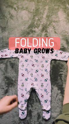 Baby Clothes Storage, Baby Storage, Organizing Baby Clothes, Baby Clothes Dividers, Storing Baby Clothes, Storage Baskets, Bebe Love, Baby Life Hacks, Newborn Baby Tips
