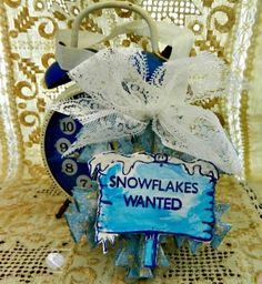 Today I will show you a quick and easy DIY Let it Snow Ornament tutorial with Iridescents, Chalk it UP and other Earth Safe Finishes products.
