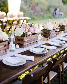 Cute wedding table idea for a more casual wedding.  Cute for outside!  #weddingtable #cuteweddingideas #wedding