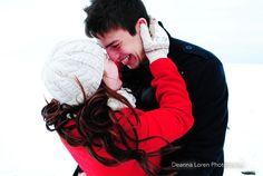 Winter couple picture ideas | Adorable snowy engagement picture ideas | Deanna Loren Photography
