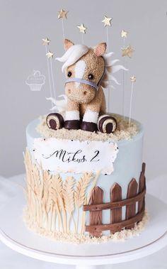 Animal Birthday Cakes, 5th Birthday Cake, Animal Cakes, Horse Cake Toppers, Barnyard Cake, Foto Pastel, Berry Cake, Cakes For Boys, Girl Cakes