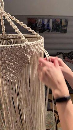 Macrame Wall Hanging Diy, Macrame Curtain, Macrame Art, Diy Dream Catcher Tutorial, Swag Curtains, Crochet Home Decor, Beaded Chandelier, Macrame Design, Macrame Tutorial