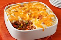"Updated Shepherds Pie Recipe - - ""An easy shepherd's pie made with lean ground beef has a light but flavorful layer of creamy mashed potatoes on top. Pie Recipes, Casserole Recipes, Cooking Recipes, Recipies, Dinner Recipes, Cooking Stuff, Kraft Recipes, Diabetic Recipes, Potato Recipes"