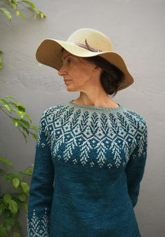 Ravelry: Goldwing pattern by Jennifer Steingass Ravelry, Color Switch, Magic Loop, Dk Weight Yarn, Stockinette, Main Colors, Yarn Crafts, Sweater Weather, Wool Blend